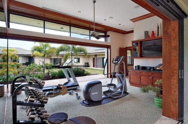 Tips Efektif Melakukan Olahraga di Rumah