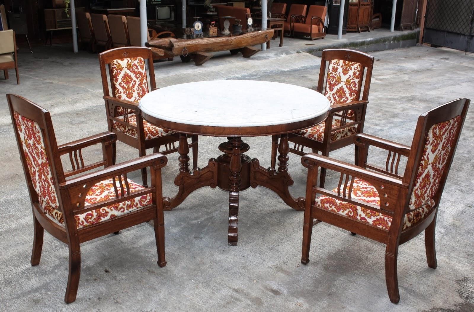 desain meja kursi kayu klasik