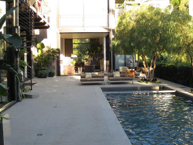interior kolam renang