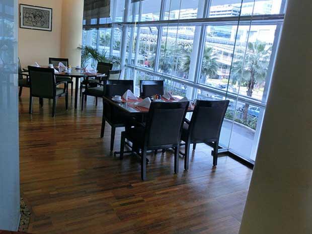 interior rumah makan minimalis modern