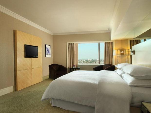 desain kamar hotel surabaya