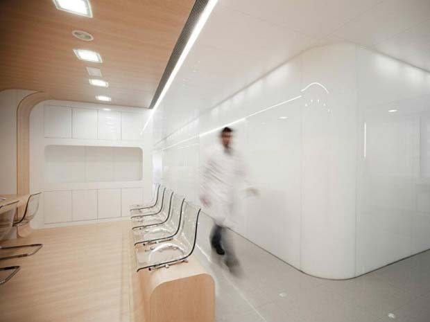 desain lobby klinik