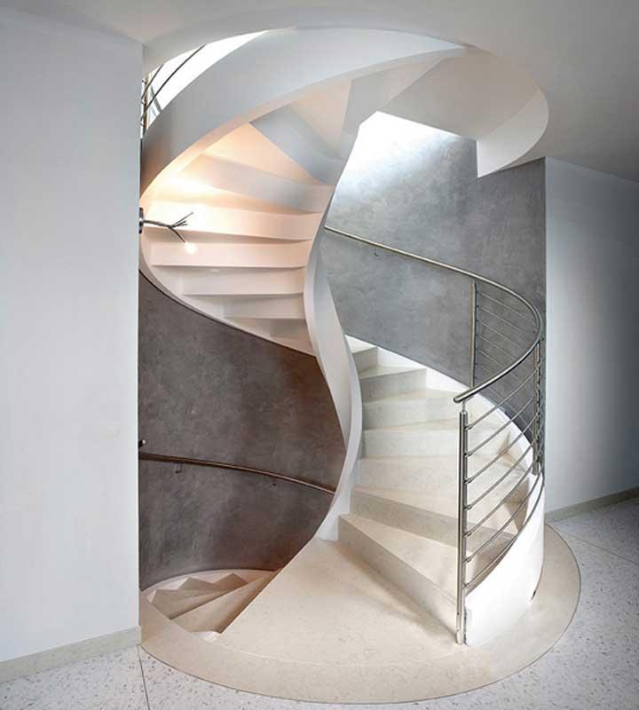tangga bentuk spiral