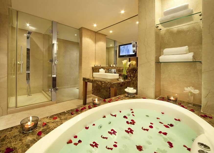 desain kamar mandi hotel