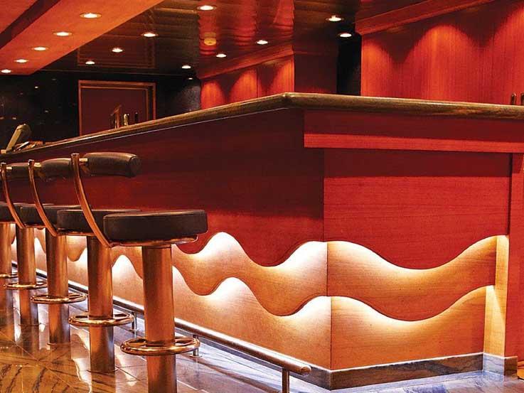 pencahayaan meja bar